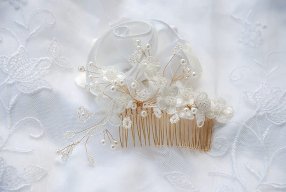 Ivory beaded bridal hair comb;crystal and pearl bridal hair comb;beaded bridal hair piece
