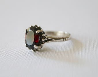 Vintage Garnet Ring - Vintage Sterling Silver Solitaire Ring - Vintage Engagement Ring - Gothic Wedding Ring - Vintage Silver Ring 6 1/2  M
