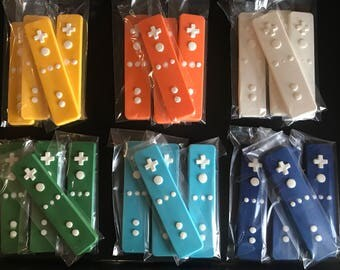 12 nintendo video game themed wii REMOTE CONTROLLER CHOCOLATE party favor - Game truck party - video game - boy or girl - wii lollipop