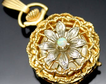 GIFT IDEA!!! Is In Excellent Working Condition ESTATE Authentic 17 Jewels Genuine Diamonds Opal Solid 14K Yellow Gold Watch Pendant