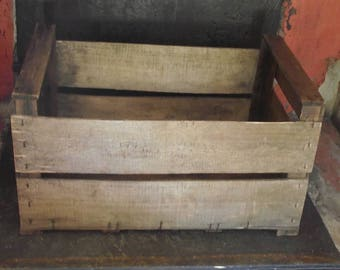 Type box Apple fruit crate wood recycled vintage
