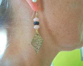 Earrings Baroque 14 k gold, bronze and Andean Opal.
