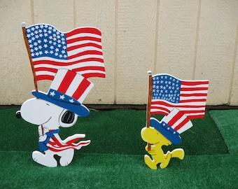 Patriotic Peanuts Snoopy and Woodstock Yard Signs