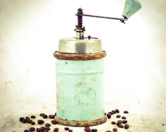 Vintage Coffee Grinder Round MILL Moulin Cafe Molinillo Macinacaffe Kaffeemuehle Koffiemolen