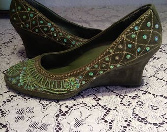 Newport news embroidered wedge heels size 9