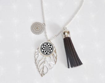 Necklace long silver plated cabochon Deco geomatrique black/white and tassel