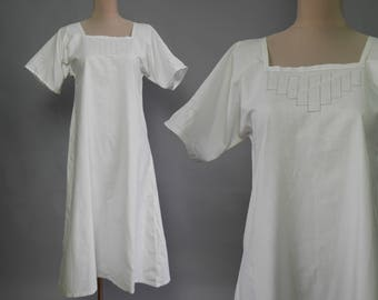 Antique nightgown Women Beginning century sleepwear Vintage White Cotton Lace night gowns Square neck Nighty Short Sleeve SMALL to MEDIUM