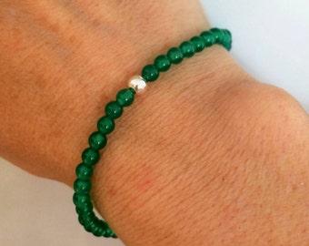 GREEN ONYX stretch Bracelet Sterling Silver tiny bead Bracelet, small Beaded heart Chakra bracelet Green Onyx jewelry healing jewellery gift