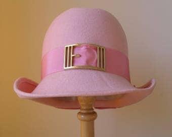 Vintage 1960s pink felt trilby hat