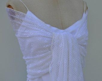 Shawl in lace white wedding, Bridal white shawl, white bridal shoulder wrap, white burp, white lace shawl, shawl