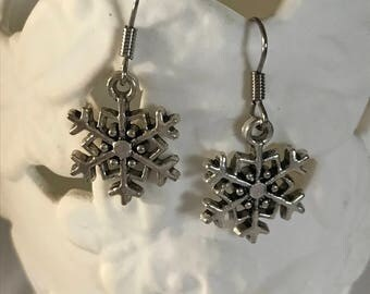 Antique silver coloured snowflake charm earrings (FREE shipping in Aus)