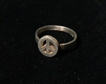 Vintage 70s Mini Peace Ring