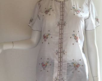 Lily Embroidered Top