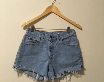 Vtg high waisted distressed Riders denim cut off shorts size 28