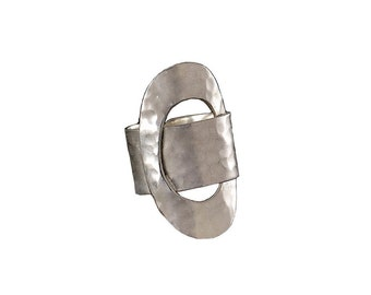 Silver tone oval ring, hammered ring, geometric jewelry, wide band, middle finger ring, contemporary ring, adjustable ring, metallic circlet