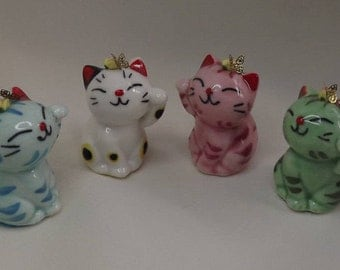 Miniature Ceramic Kitty Figurine. Dollhouse Vases, Piggy bank, Living Room, Accessories. Small Ceramic Cat statues, Figurines, Collectibles.