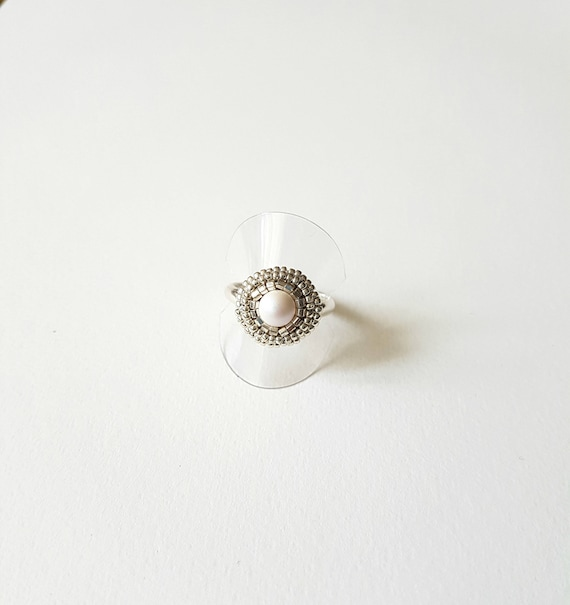 Small Pearly white cristal ring