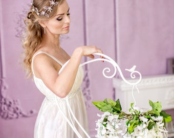 Wedding flower crown Bridal headband Bridal hair vine White flower halo Leaf hair vine Bridal flower crown Floral crown bridal hair jewelry