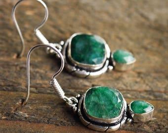 Emerald drop earrings,Sterling silver earrings,Gemstone earrings,Green gemstone,Teardrop earrings,Emerald Earrings,Bridal Gift,Green Dangle