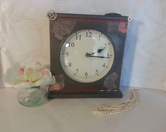 30's French Inspired Desktop Clock