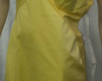 Vintage 1970s/80s VANITY FAIR bright yellow Tricot (all nylon) full slip with lace trim on top and bottom in a size 36