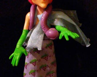 Vintage 1980s Strawberry SHORTCAKE Sour Grapes Doll complete with Snake!!