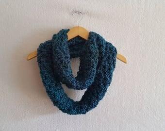 Chunky Infinity Scarf, Infinity Scarf, Blue Chunky Scarf, Blue Cowl, Crochet Womens Scarf, Chunky Winter Scarf, Chunky Cowl, Crochet Cowl