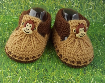 Bee Monkey or  Frog knitted booties, baby gift,unique baby booties, baby booties with buttons, for babies animals sandals babyshower gift
