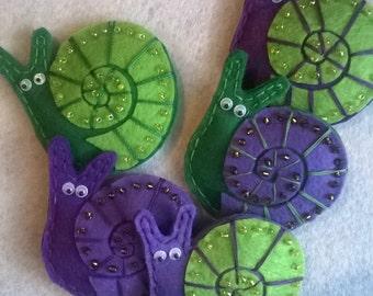 Refrigerator Magnets - Felt Fridge Magnet (snail) - magnets handmade - souvenirs - made for home decoration - snail toy