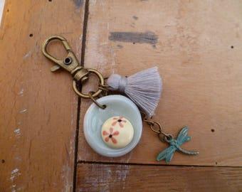 porte-clef poétique céramique, libellule et pompon gris, gri-gri, bijou de sac, cadeau femme, fête des mères, tendresse, amitié