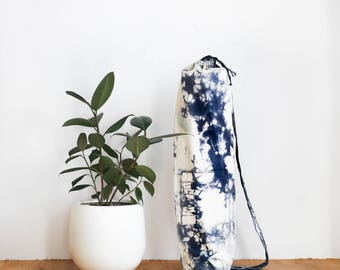 Yoga Mat Bag in OREO- Yoga mat carrier, Yoga Bag with Pocket, Hand Dyed Bag, Yoga bag with strap, Drawstring yoga bag,by Annabelle Taylor Co