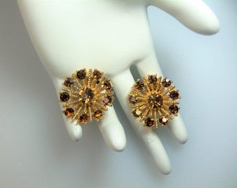 Vintage Textured Gold Tone Round Clip Earrings with Rootbeer Topaz Rhinestones