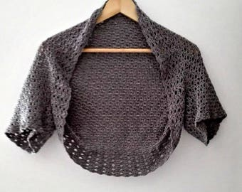 Bolero in grey size 36 to 42 stitches