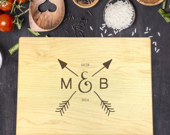 Custom Cutting Board, Custom Cutting Board Wedding, Custom Cutting Board Wood, Wedding Gift, Housewarming Gift, Initials with Arrow, B-0125