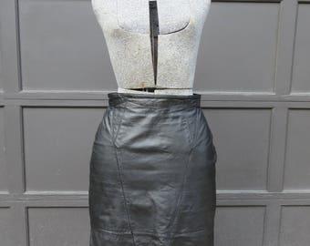 1980s black leather skirt/ 1980s leather high waisted skirt/ vintage skirt