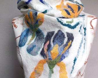 Scarf with Chemisett IRIS designer felted scarf Merino Wool warm colorful easy gift idea Christmas Easter