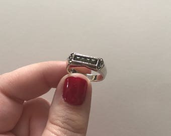 Elegant Vintage 925 Sterling Silver Marcasite Bar Band Ring