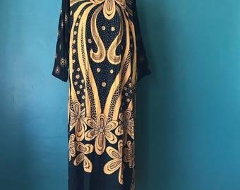 Batik Caftan. Boho Batik Dress. 70s Bohemian Dress. Embroidered Caftan. Vintage Batik Dress. 70s Caftan. 60s 70s Boho Dress. Vintage Caftan