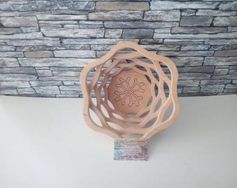 Beech wood, pyrographed, Occitan cross basket made in France.