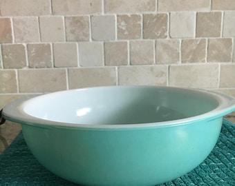 Pyrex Turquoise Round Casserole 024