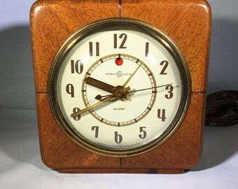 "General Electric  ""Delegate"" Alarm Clock Model 7H140"
