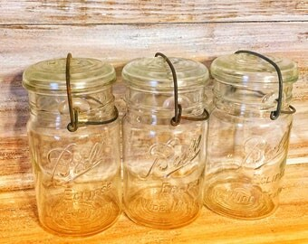 Vintage Ball Eclipse Wide Mouth Mason Jar with Wire Bail and Glass Lid