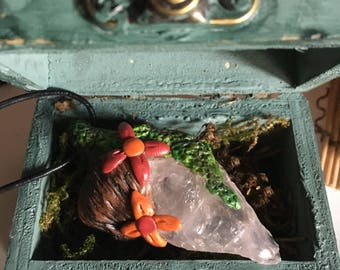 Treasure of the elven amulet [home] / unique FAIRY / gems / leaf / wood / Moss / witch / Wiccan / spiritual