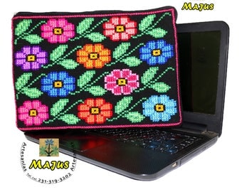Hand - embroidered laptop bag Netbook - computer