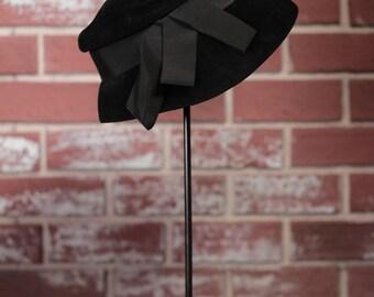 vintage hat// black// 1970s