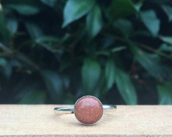 Silver Goldstone Ring / Sterling Silver Ring Size 9 / Round Goldstone Ring / Small Goldstone Ring / Little Stone Ring / Hammered Ring
