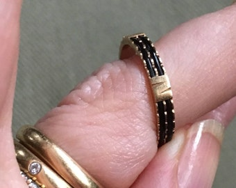 Antique Vintage Victorian 18k Gold and Elephant Hair Ring Size 5-3/4