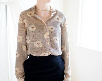 50s Floral Print Blouse with Rounded Collar / Vintage Women's Button Up Dalton Blouse / Vintage 1950s Collared Blouse / Vintage Clothing
