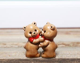 SALE Adorable Hugging Bears Salt and Pepper Shakers-Vintage ceramic Salt Pepper Shakers