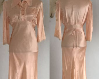 Vintage 1940's Champagne Pink Night Gown